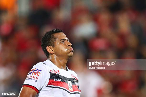 Walter of Atletico GO reacts during a match between Flamengo and Atletico GO part of Brasileirao Series A 2017 at Ilha do Urubu Stadium on August 19...