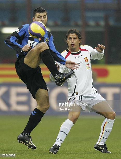 Walter Samuel of Inter and Arturo Di Napoli of Messina in action during the Serie A match between Inter Milan and Messina at the Giuseppe Meazza...