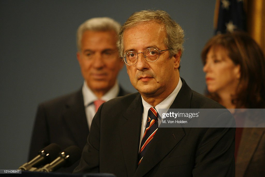 <a gi-track='captionPersonalityLinkClicked' href=/galleries/search?phrase=Walter+Veltroni&family=editorial&specificpeople=558343 ng-click='$event.stopPropagation()'>Walter Veltroni</a>, Rome Mayor during Mayor Bloomberg and Robert De Niro Anounce Partnership Between Tribeca Film Festival and Rome Film Festival at City Hall in Manhattan, New York, United States.