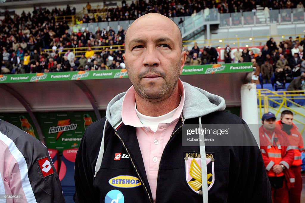 <a gi-track='captionPersonalityLinkClicked' href=/galleries/search?phrase=Walter+Zenga&family=editorial&specificpeople=891748 ng-click='$event.stopPropagation()'>Walter Zenga</a> coach of US Citta di Palermo during the Serie A match between Bologna FC and US Citta di Palermo at Stadio Renato Dall'Ara on November 8, 2009 in Bologna, Italy.