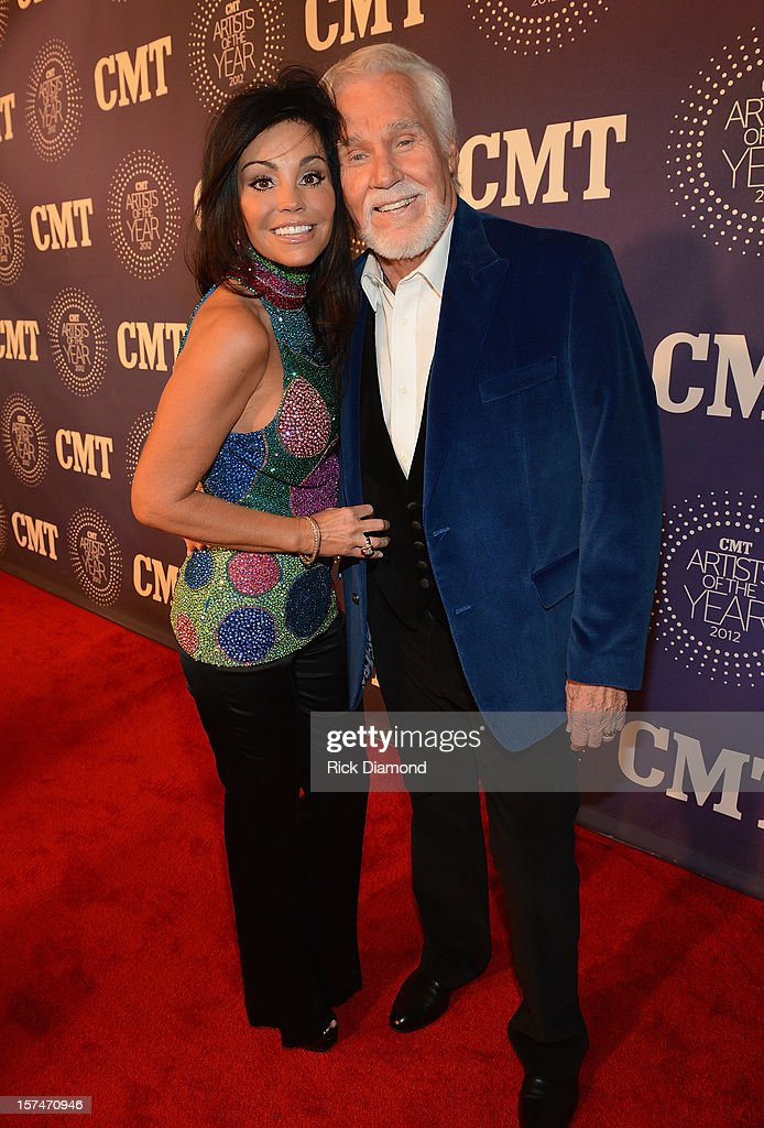 Wanda Rogers and Kenny Rogers attend 2012 CMT Artists Of The Year at The Factory at Franklin on December 3, 2012 in Franklin, Tennessee.