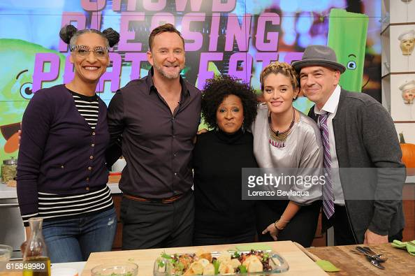 THE CHEW Wanda Sykes is the guest on Thursday October 20 2016 on ABC's 'The Chew' 'The Chew' airs MONDAY FRIDAY on the ABC Television Network SYMON