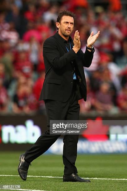 Wanderers coach Tony Popovic celebrates winning the round seven ALeague match between Western Sydney Wanderers and Wellington Phoenix at Pirtek...