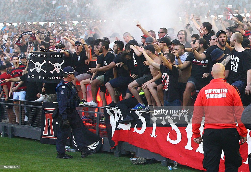 western sydney wanderers flares up - photo#31