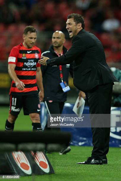Wanderers head coach Tony Popovic reacts during the round four ALeague match between the Western Sydney Wanderers and the Central Coast Mariners at...