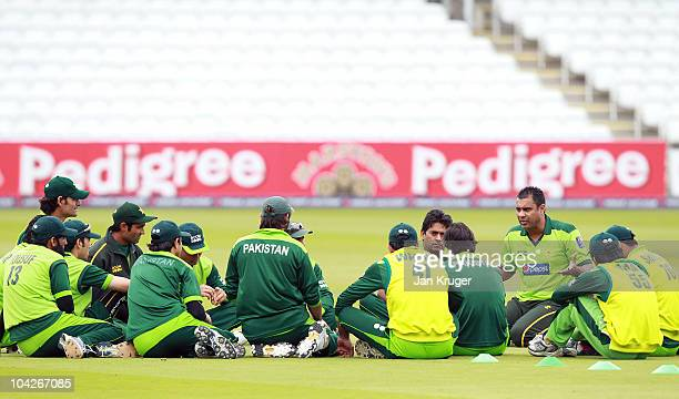 Waqar Younis Coach of Pakistan talks to players during a nets session at Lords on September 19 2010 in London England