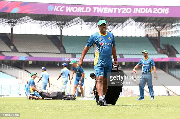 Waqar Younis Head Coach of Pakistan leaves the field after a training session at Eden Gardens on March 13 2016 in Kolkata India
