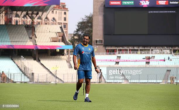 Waqar Younis Head Coach of Pakistan looks on during a training session at Eden Gardens on March 13 2016 in Kolkata India