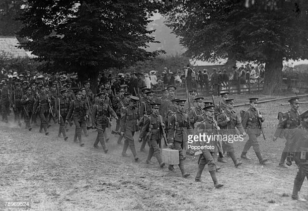 War and Coflict World War One People pic circa 1915 Wolverton Buckinghamshire The 1st Devons entering camp at Wolverton