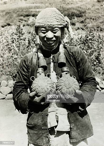 War and Conflict 2nd SinoJapanese War A typical Min PingPeople's Militia civilian fighter from China armed with home made grenades and land mines...