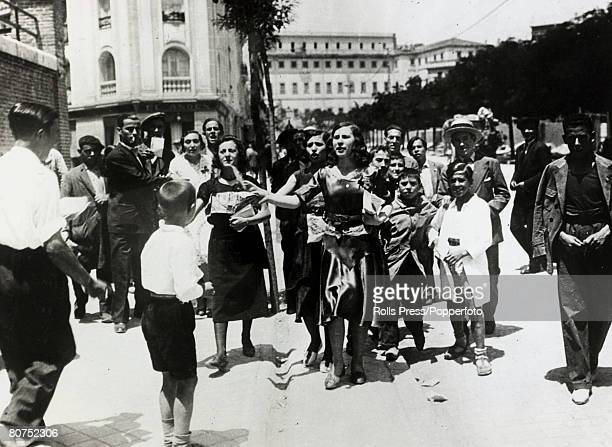 War and Conflict Spain Pre Spanish Civil War pic 2nd July 1931 Enthusiasts for the Republican cause in Spain canvassing for the Republican vote in...