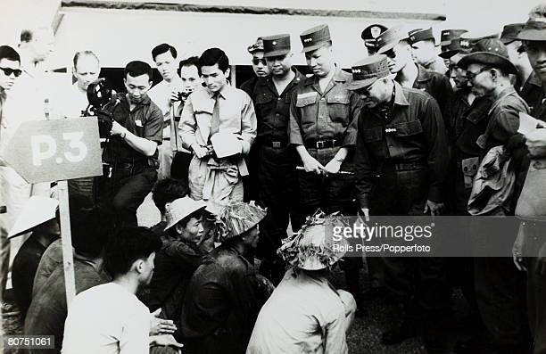 War and Conflict The Vietnam War Saigon South Vietnam pic May 1962 The South Vietnamese Chief of the General Staff General Le Van Ty talking with...
