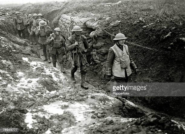 War and Conflict World War I 19141918 The Western Front France pic circa 1917 British soldiers of a wiring party led by an officer set off to lay new...