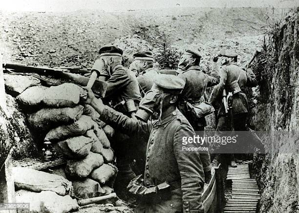 War and Conflict World War I Battle of the Somme France German soldiers preparing to throw handgrenades from a trench near Chemin Des Dames