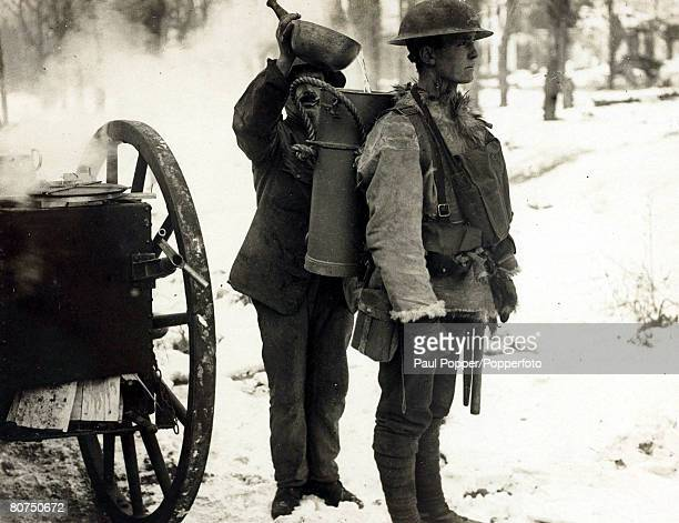 War and Conflict World War I British Military pic 1917 British soldier about to carry away supplies from a mobile field kitchen near Arras Northern...
