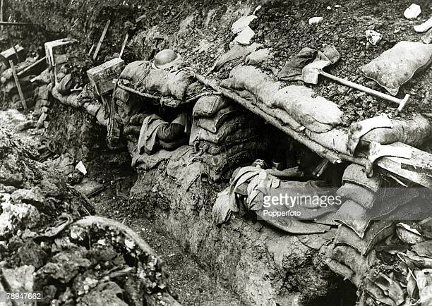 1916 France British troops try to get some sleep in cramped conditions in their dugout