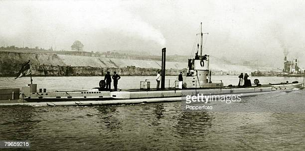 War and Conflict World War I The German submarine U15 passing through the KaiserWilhelm Canal