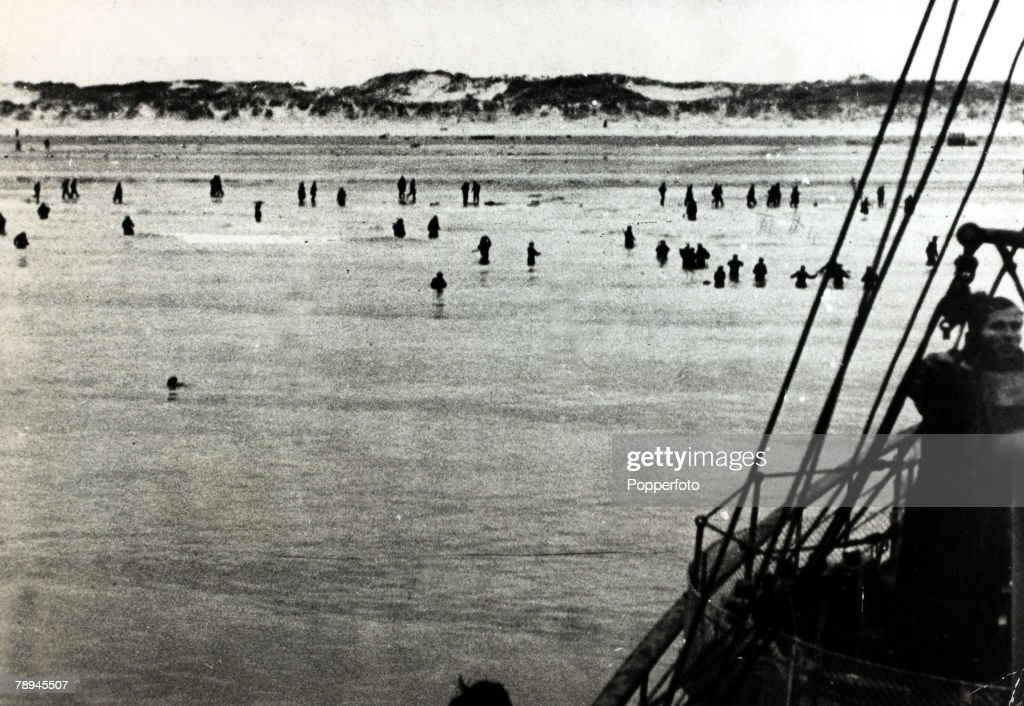 May/June 1940, The Battle of Dunkirk, The silhouettes of British soldiers wading into the sea, in the hope of being picked up by the rescue ships, The Battle of Dunkirk, (which took place approx, 25th May - 3rd June 1940 was one of trying to extricate the British Expeditionary Force and other Allied troops from a hopeless situation, when they had been 'squeezed' into a small area around Dunkirk with no hope of escape, by the vastly superior German mechanized forces, The call was made for every ship and boat to leave from Britain to save as many soldiers as possible, and despite the British leaving behind most of it's equipment, over 338, 000 Allied troops were brought back to England