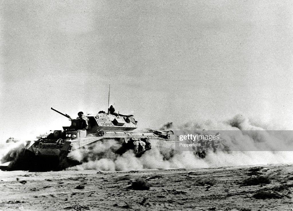 War and Conflict, World War Two, North Africa, pic: circa 1942, A British Crusader Mk 1 tank advancing in the desert during the battle of El Alamein.