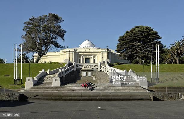 War memorial and Sarjeant Art Gallery in Wanganui