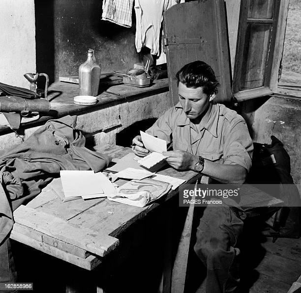 Palestro Massacre Le 23 mai 1956 un soldat lit une lettre assis au bureau de sa chambre à Beni Amrane entre Menouville et Palestro en GrandeKabylie...