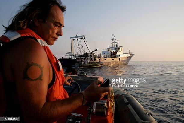 War Of Red Tuna Depuis la 16 juin 2008 les bateaux européens n'ont plus le droit de capturer le thon rouge Mais Greenpeace en a retrouvé en plein...