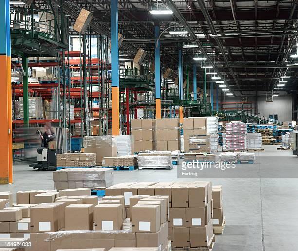 Warehouse distribution center in Betrieb.