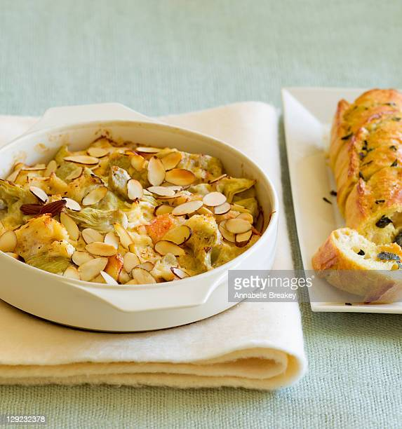 Warm Crab and Artichoke Dip with French Bread