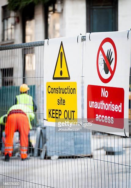 Warnung Zeichen auf Baustelle.