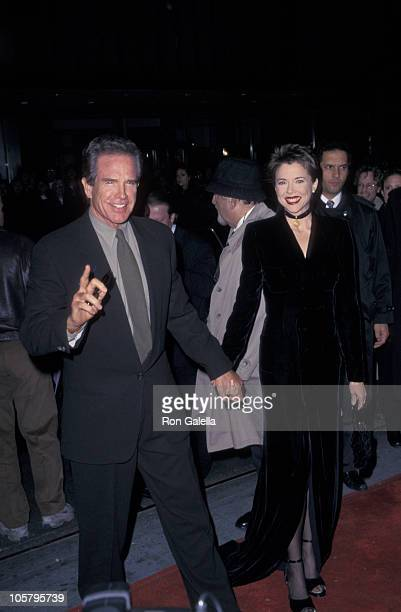 Warren Beatty and Annette Bening during 'The American President' New York City Premiere at New York Hilton Hotel in New York City New York United...