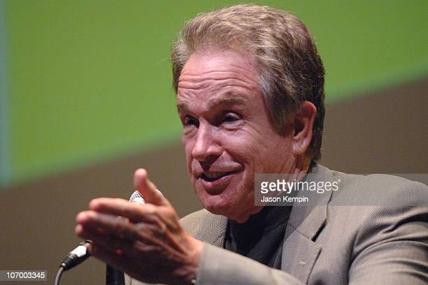 Warren Beatty during 44th New York Film Festival Press Conference For 'Reds' With Warren Beatty October 3 2006 at Lincoln Center Alice Tully Hall in...