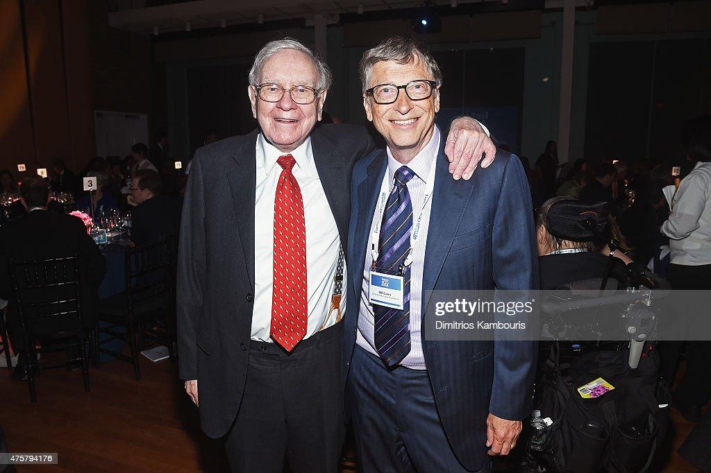 Warren Buffett (L) and Bill Gates attend the Forbes' 2015 Philanthropy Summit Awards Dinner on June 3, 2015 in New York City.