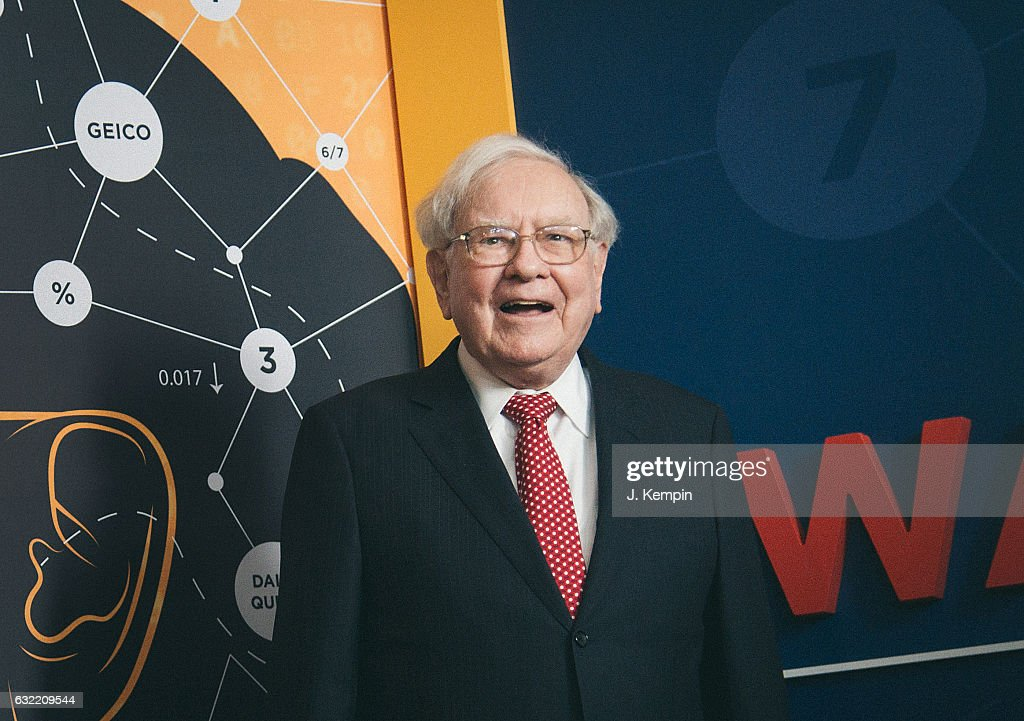 'Becoming Warren Buffett' World Premiere - Red Carpet : News Photo