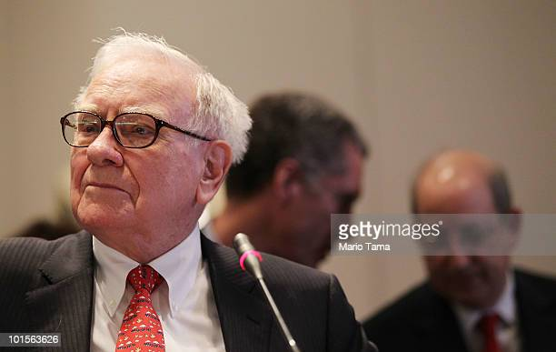 Warren Buffett Chairman and CEO of Berkshire Hathaway looks on while testifying before the Financial Crisis Inquiry Commission at The New School June...