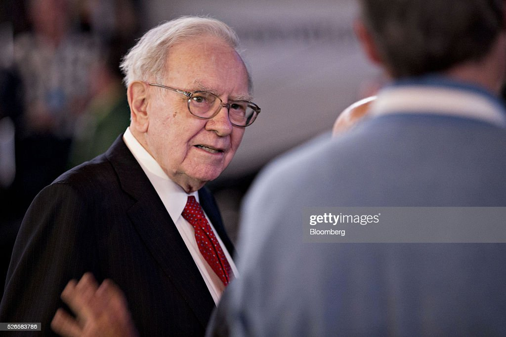 Warren Buffett, chairman and chief executive officer of Berkshire Hathaway Inc., greets attendees ahead of the Berkshire Hathaway Inc. annual shareholders meeting in Omaha, Nebraska, U.S., on Saturday, April 30, 2016. Dozens of Berkshire Hathaway Inc. subsidiaries will be showing off their products as Chief Executive Officer Warren Buffett hosts the company's annual meeting. Photographer: Daniel Acker/Bloomberg via Getty Images