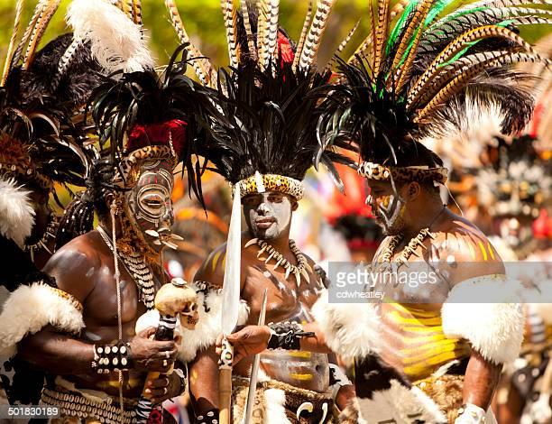 Guerriers de troupes de danse pendant St. John Festival et carnaval 2014