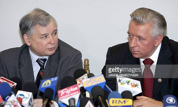 Jaroslaw Kaczynski head of the ruling conservative Law and Justice party and Samoobrona leader Andrzej Lepper give a joint press conference after...