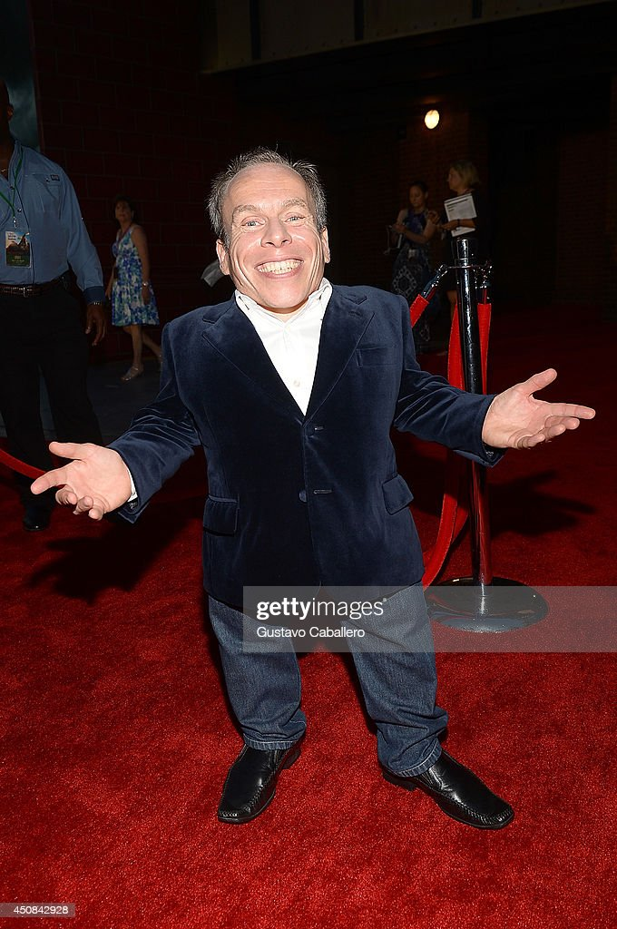 <a gi-track='captionPersonalityLinkClicked' href=/galleries/search?phrase=Warwick+Davis&family=editorial&specificpeople=1182415 ng-click='$event.stopPropagation()'>Warwick Davis</a> attends The Wizarding World of Harry Potter Diagon Alley Grand Opening at Universal Orlando on June 18, 2014 in Orlando, Florida.