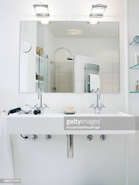 Washbasin with two faucets