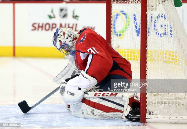 Washington Capitals goalie Philipp Grubauer prepares himself before the start of a NHL game between the Washington Capitals and the San Jose Sharks...