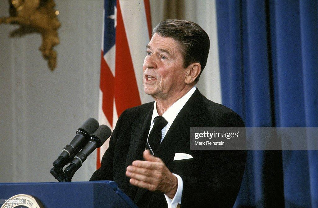 An examination of president reagans economic policies