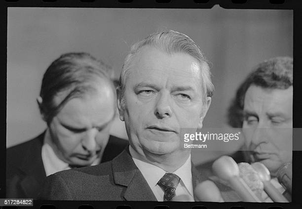 In a direct challenge to President Nixon the Senate Judiciary Committee voted unanimously to call White House counsel John W Deah III to testify on...