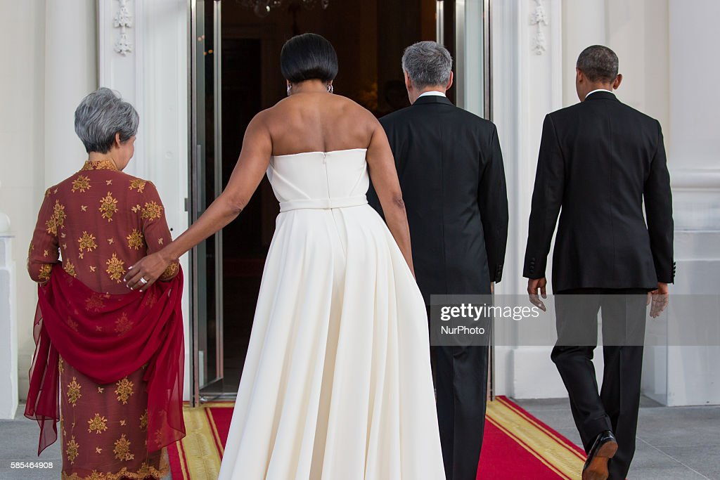 Washington DC On Tuesday August 2 lr Mrs Lee Hsien Loong First Lady Michelle Obama Prime Minister Lee Hsien Loong and President Barack Obama leave...