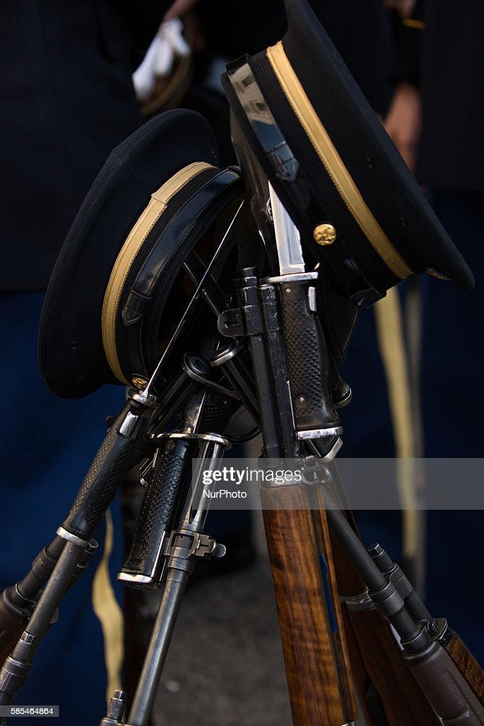 Washington DC On Tuesday August 2 the Honor Guard rest their weapons in preparation for the dinner arrival of Singapore Prime Minister Lee Hsien...