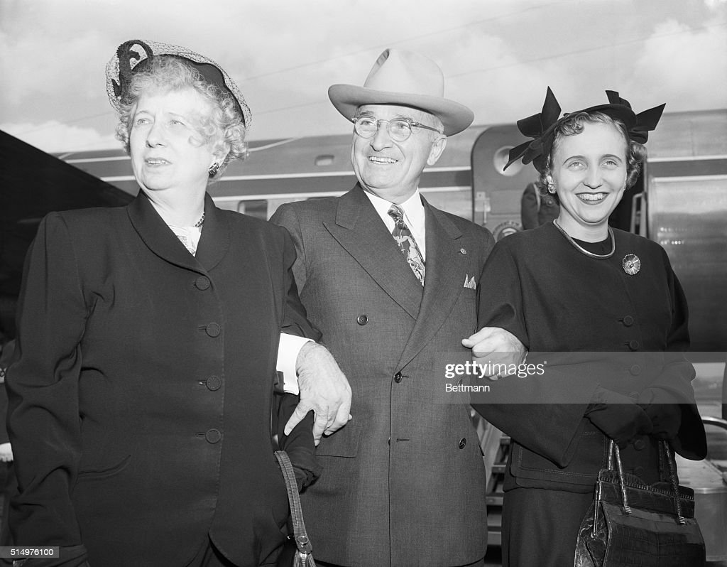11/4/1950- Washington, DC- President Harry S. Truman and Mrs. <a gi-track='captionPersonalityLinkClicked' href=/galleries/search?phrase=Bess+Truman&family=editorial&specificpeople=93132 ng-click='$event.stopPropagation()'>Bess Truman</a> with Margaret together at Washington Airport just before the President left for St. Louis, MO, where he will make a nation-wide radio 'official' campaign speech November elections.