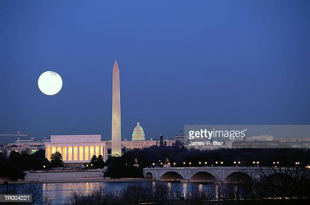 USA, Washington DC skyline, night with full moon