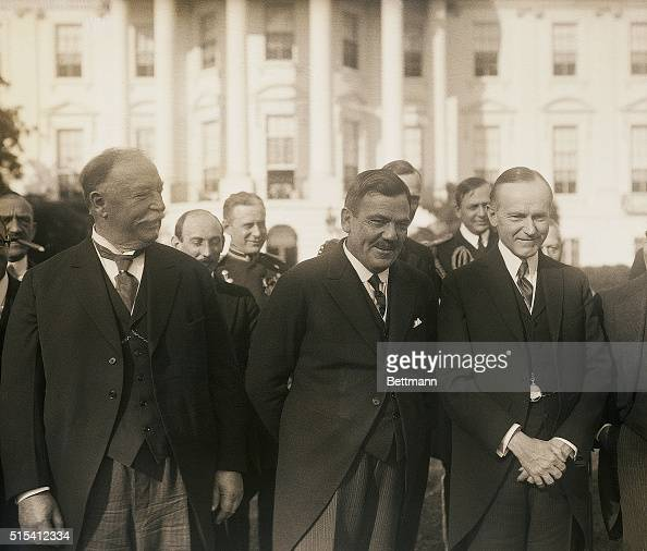 Washington DCLeft to right Honorable William H Taft Chief Justice of the Supreme Court General Plutarco Elias Calles Presidentelect of Mexico and...