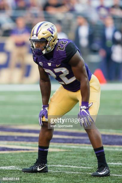 Washington Lavon Coleman gets set for a play during a college football game between the Washington Huskies and the Fresno State Bulldogs on September...