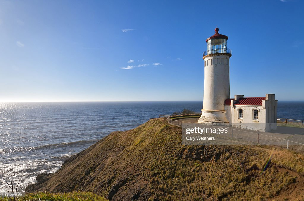 USA, Washington, lighthouse on cliff