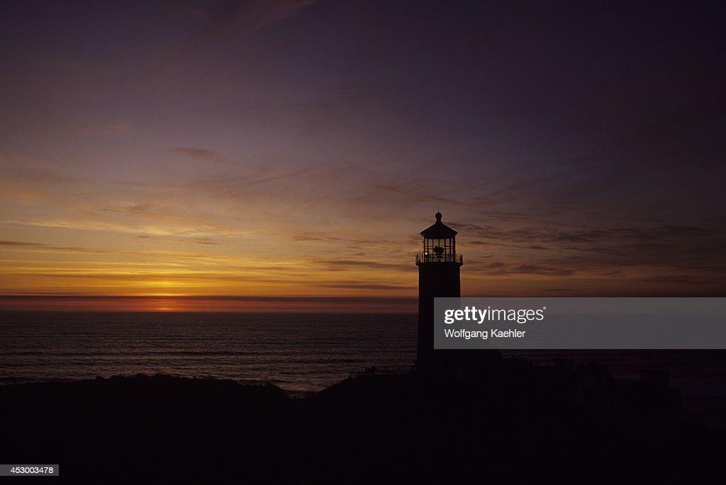 USA Washington Long Beach Peninsula Fort Canby State Park North Head Lighthouse Sunset